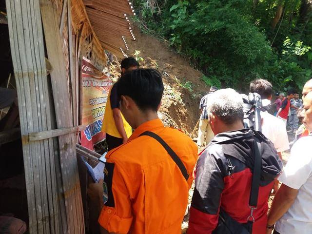 Longsor Di Desa Gunung Larang Bantarujeg FB